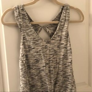 LULULEMON heather grey workout top open back sz 4